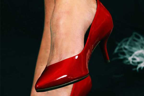 high-heeled-shoes-PT